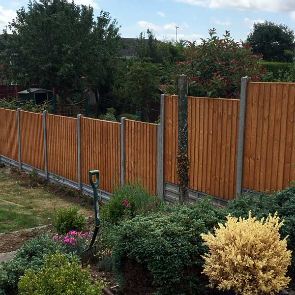 New fence panels with concrete pillars