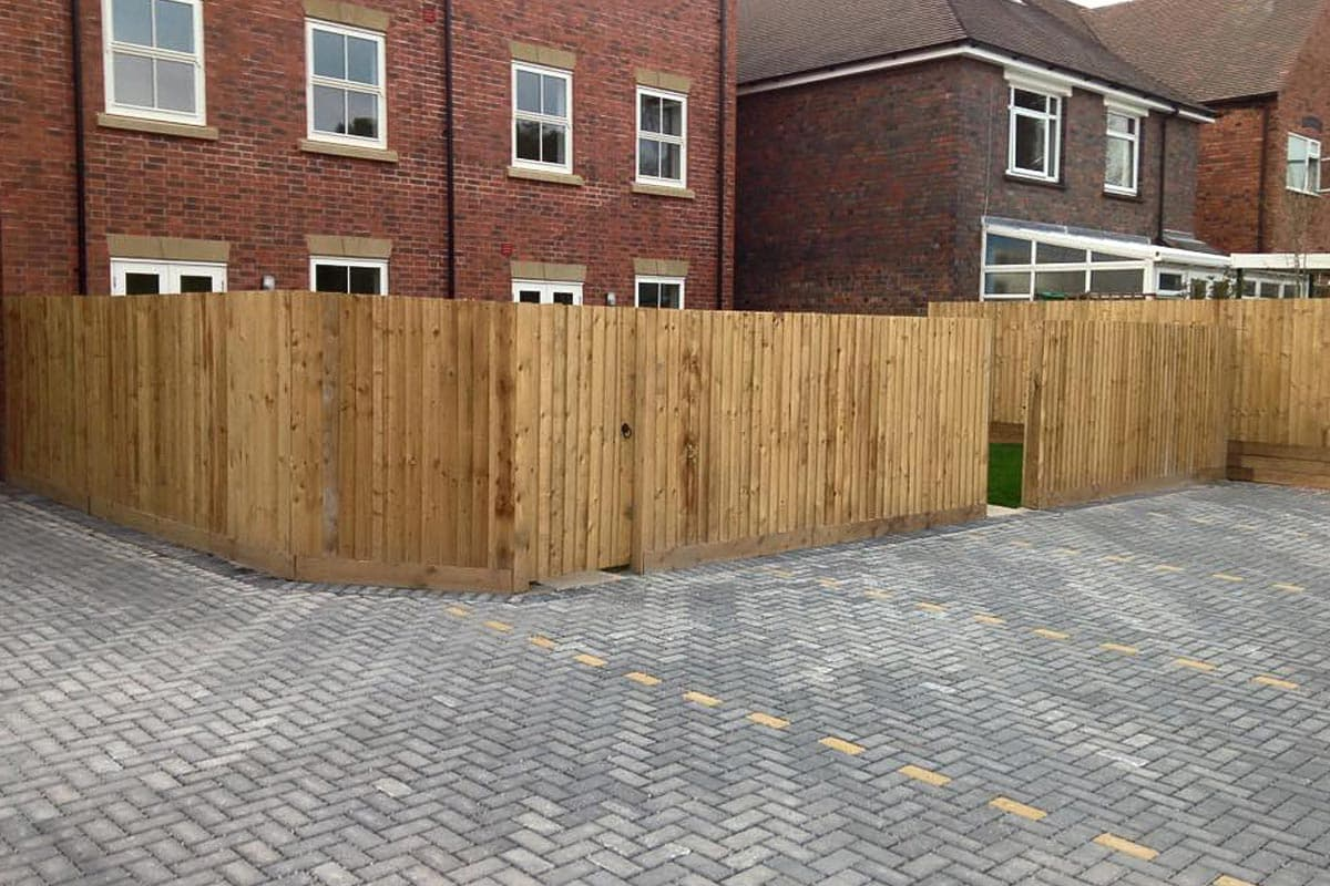 Installation and repair of fences ultimate landscapes for Garden decking hinckley