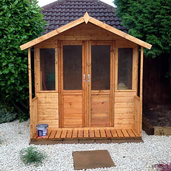 New summerhouse built in back garden