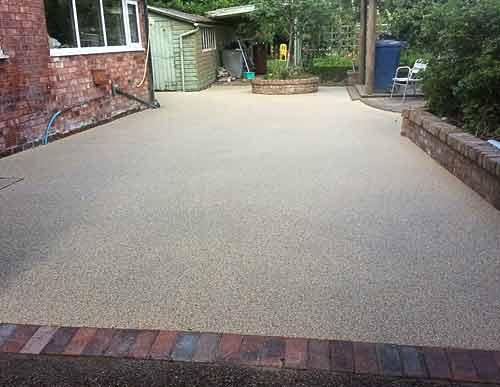 Driveway resin gravel
