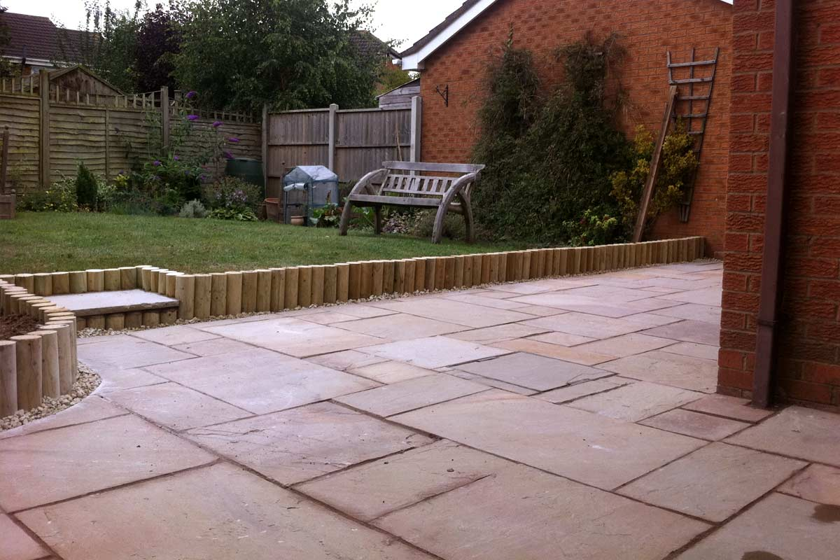 Patio installers in leicester ultimate landscapes for Garden decking hinckley