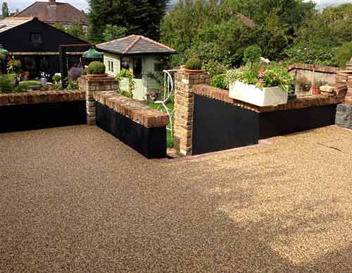 Resin bound gravel with steps