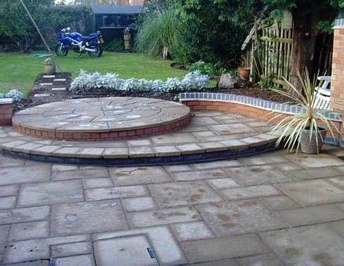 Block paving circle design