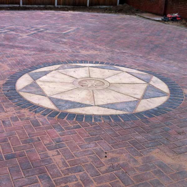 Block paving circle design