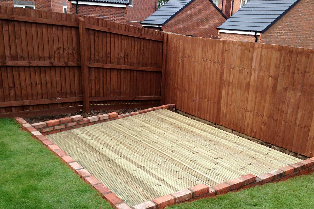 Quality decking installations ultimate landscapes ltd for Garden decking hinckley