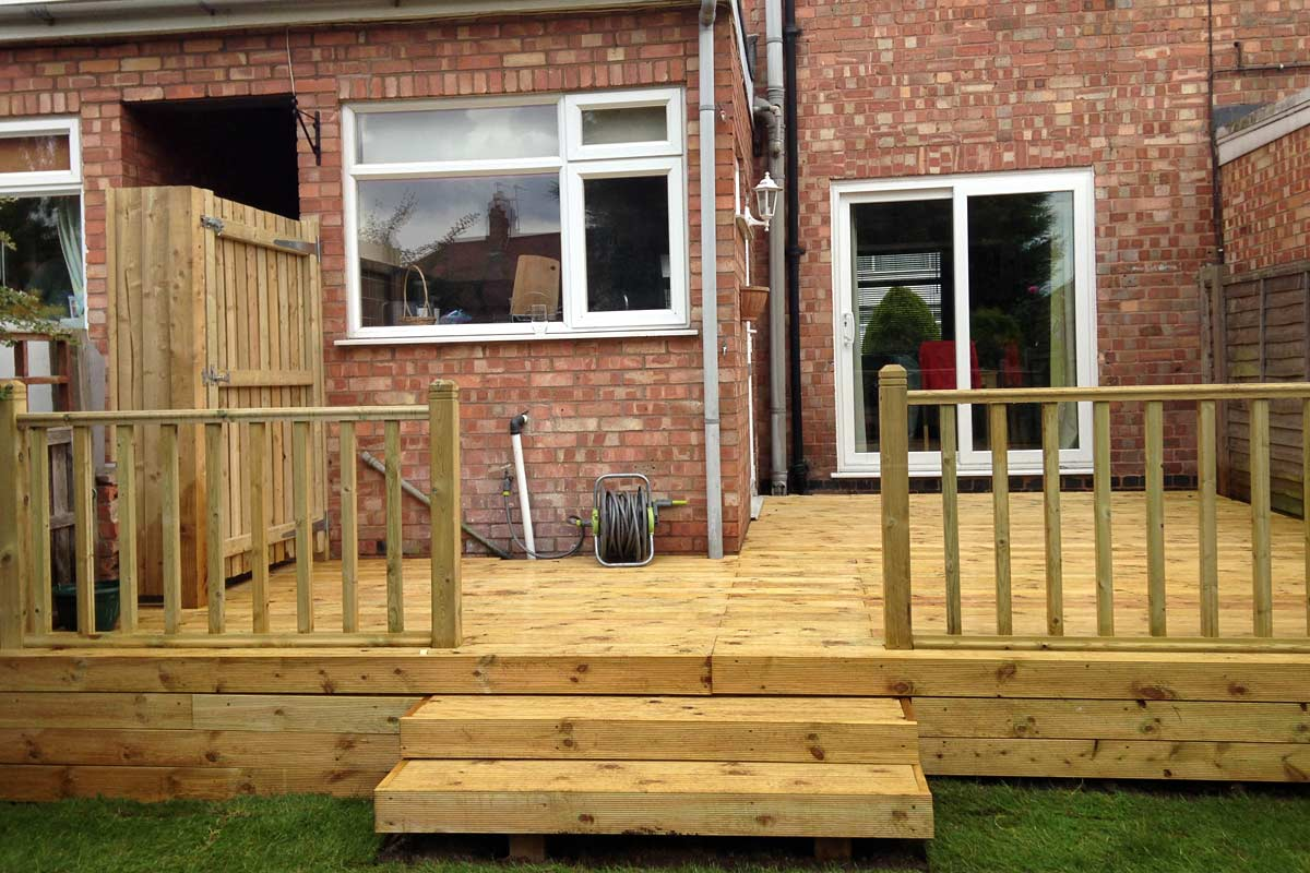 Quality decking installations ultimate landscapes ltd for Garden decking quotes uk