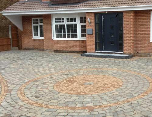 Driveway circle paving design