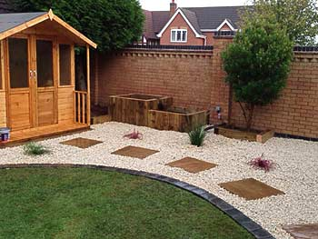 Professional landscape gardeners ultimate landscapes ltd for Garden decking hinckley