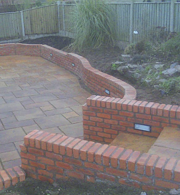 Garden wall installation